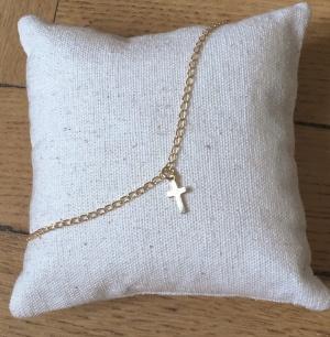 Chaine de cheville pendentif croix